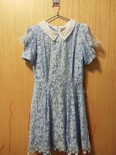 蕾絲連衣裙