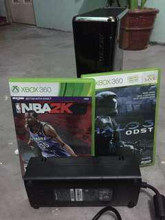 Xbox 360 S US NTSC 2 games
