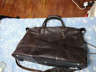 Lactico weekender leather bag