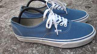 Vans authentic navy good condition