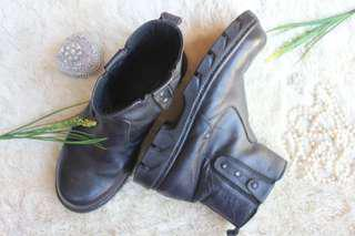 🌸 #MauiPhoneX - Black Safety Shoes 🌸