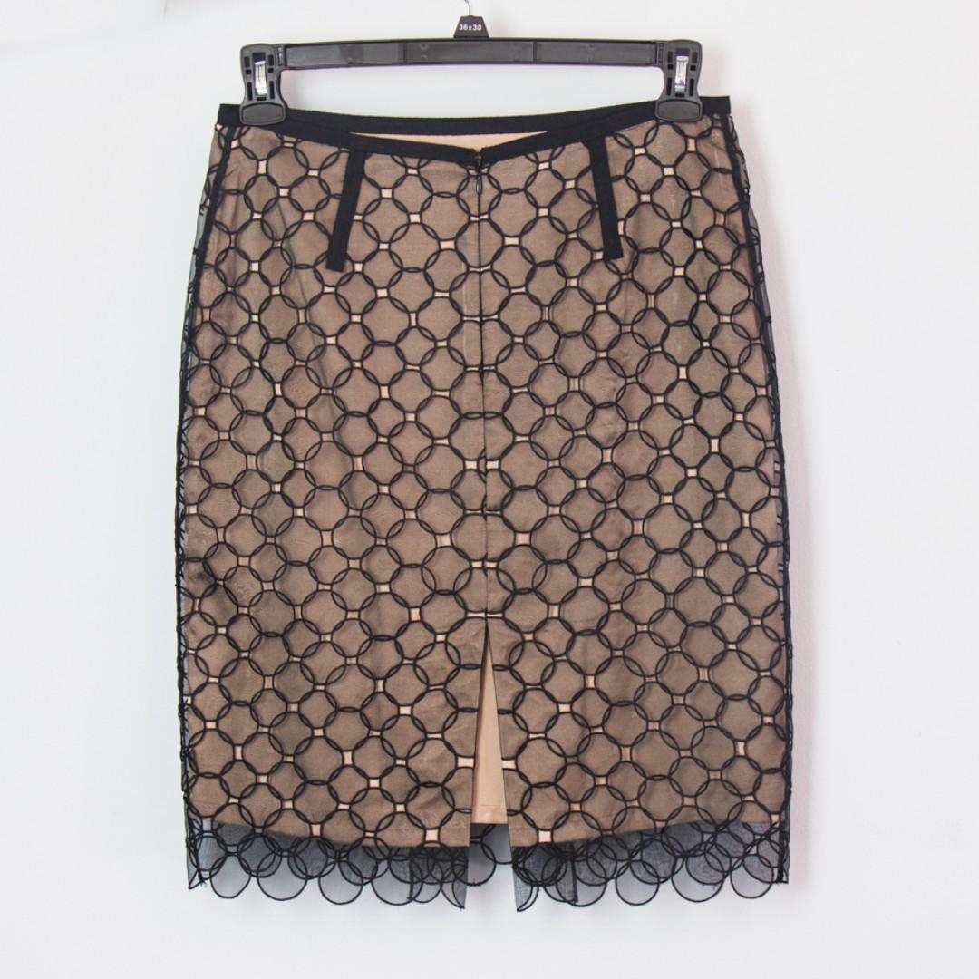 BCBGMAXAZRIA Black Nude Beige Two-tone Lace Pencil Knee-length Skirt, size 4