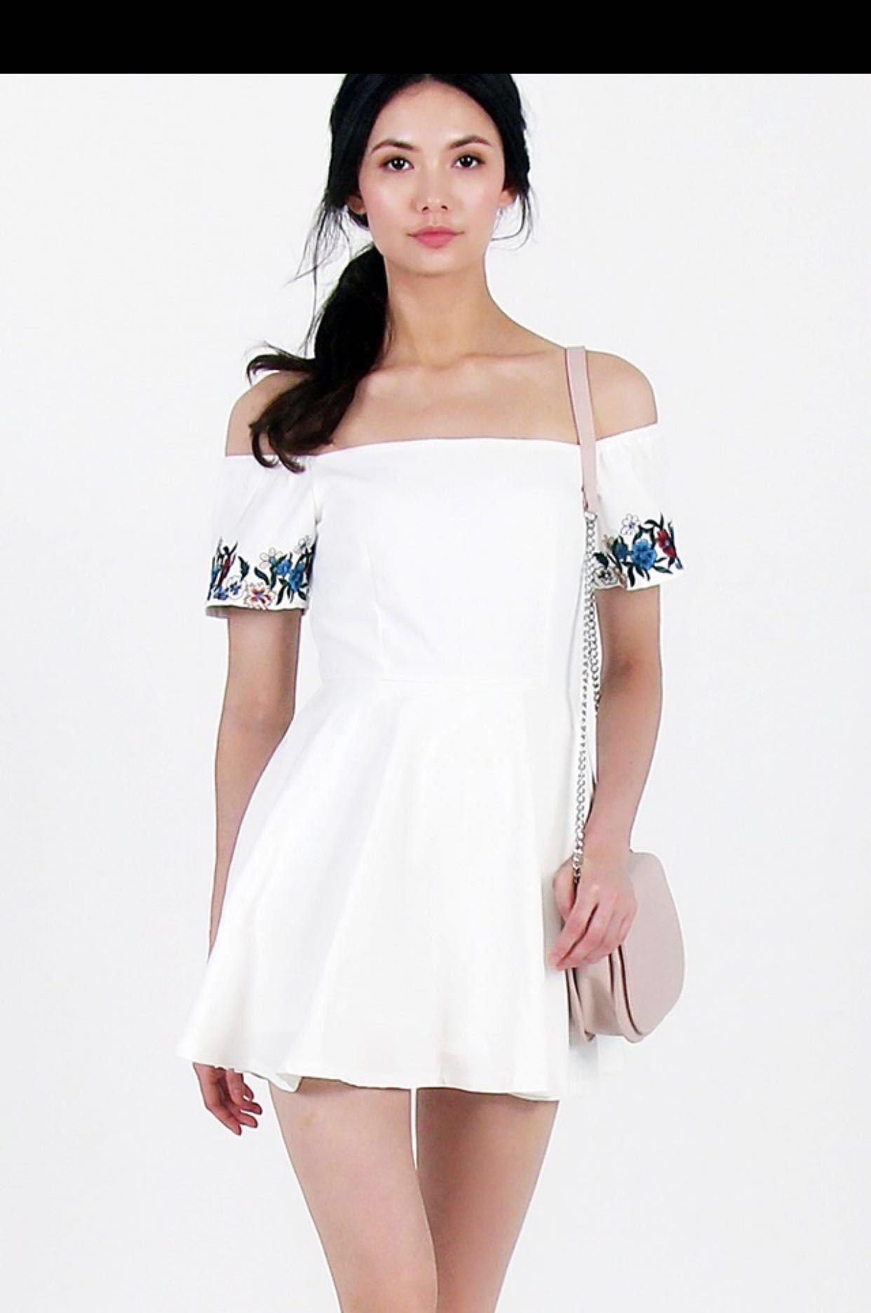 7d8a64bb80c4 BNWT  Lovet Amelia Embroidery Romper Dress in White (Size M ...