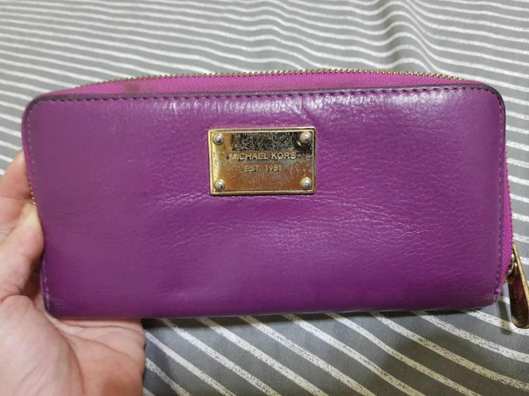 a76ac3b081e1 CLOSET CLEAN UP! AUTHENTIC MICHAEL KORS WALLET (PRELOVED ITEM ...
