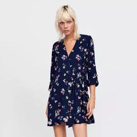 86ba3827eaf European and American style 2018 autumn new women s V-neck flower ...