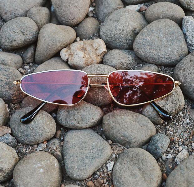 Kacamata Hype Retro Merah 66f9aece41