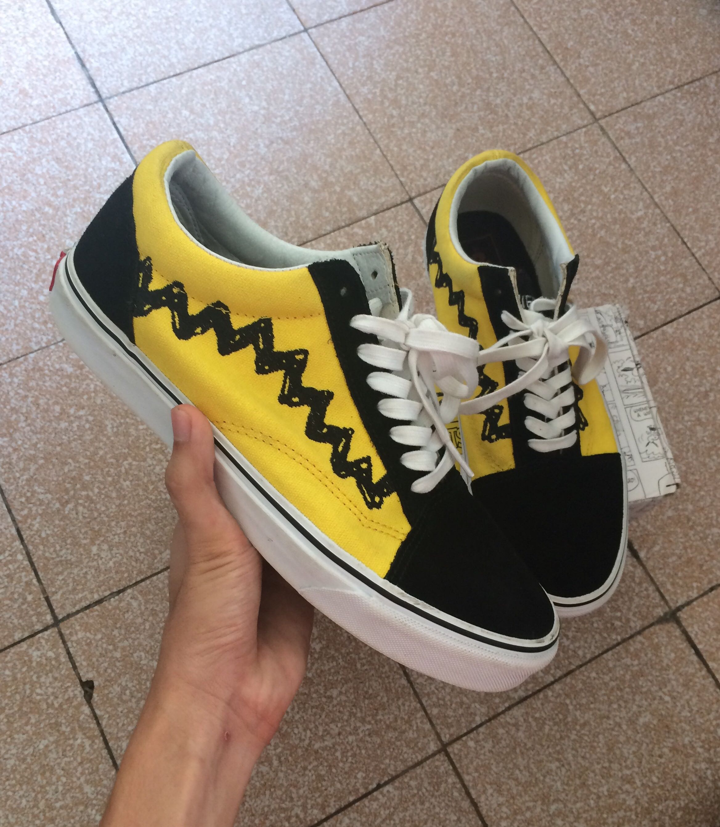 "339e3ec951 Vans x Peanuts Old Skool ""Charlie Brown"""