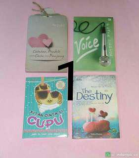 Perpaket berisi 4 buku