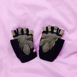 🚚 Workout Gloves