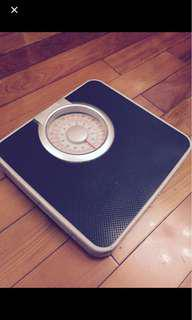 Weight scale - second hand