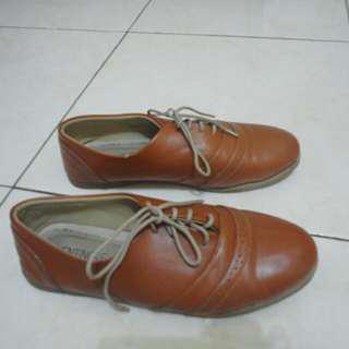 Sepatu Vintage Ventinove.id