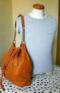 Rabeanco leather bucket bag