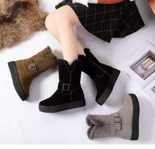 (35~40) 2018 autumn and winter new boots women's shoes flat bottom increase in the middle boots boots scrub wild leather buckle boots women's Martin boots