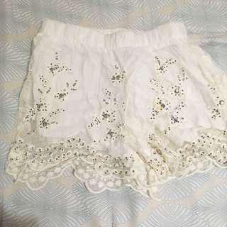 $50/2 white lace shorts #SELLITNOW