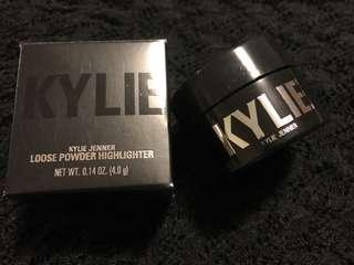 Kylie loose powder highlighter
