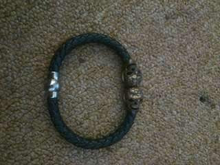 Skull Bones Bracelets Sintetis Leather