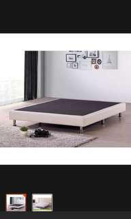 Queen size frame w mattress