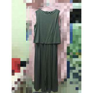 UNIQLO 女裝 無袖連身寬褲 L號(軍綠色)九成新