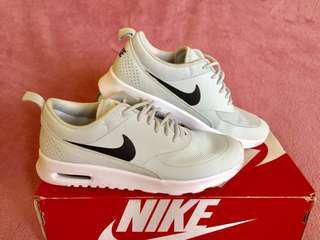 Brand New Women's Nike Air Max Thea
