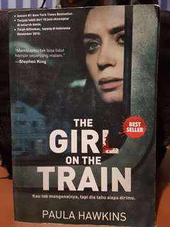 "Buku ""The Girl on The Train"""