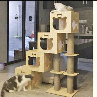 (Sold) big furniture wood cat tree house scratch pole