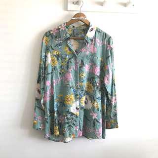 GEB.  XL Pretty Flowers On Pale Green Long Sleeve Botton Down Short Blouse Top @sunwalker