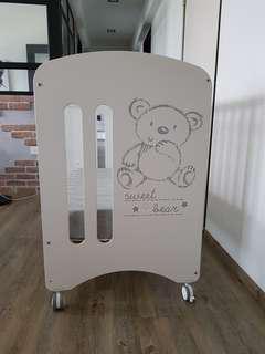 Micuna sweet bear baby cot
