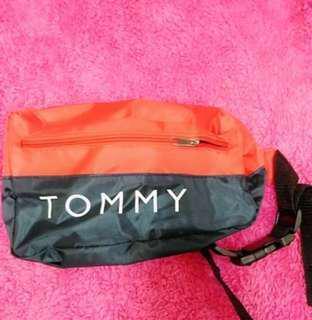 🚚 Tommy最近很夯時尚腰包