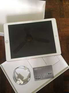 one more ipad 6gen 32GB (WIFI + CELLULAR)