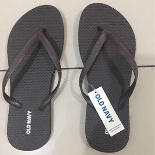 Old Navy Slippers  US Size 6 - original and brand new