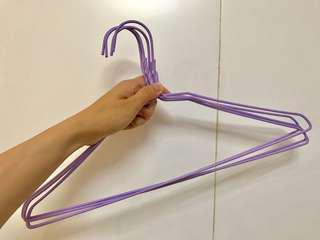 🚚 紫色衣架 15個