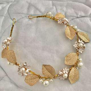 🔸 Gold Floral Embellished Wire Headband (Head Jewellery)