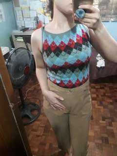Knitted top sleeveless