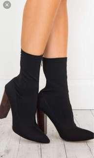$30 brand new  heels