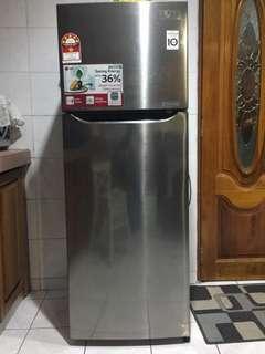 LG 2doors  refrigerator freezer