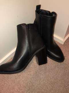 Black Ankle Boot Heel