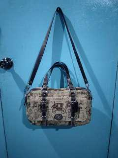 Coach Chelsea Horse amd Carriage Satchel/Crossbody bag