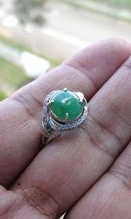 Lake Green Jadeite Cabochon on 925 Silver Ring. 湖绿缅甸玉翡翠925银女戒