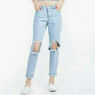 Celana boyfriend jeans knee hole telor asin free fish net