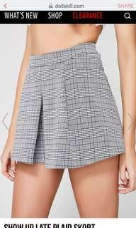 show up late plaid skort