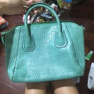 🚚 蒂芬妮綠手提包