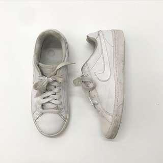 AUTH NIKE SHOES