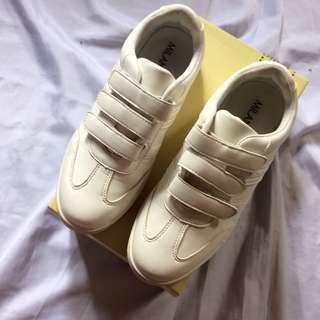 Milanos Sneakers