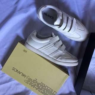 Milanos White Shoes