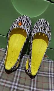 Original crocs us7