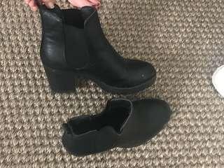 Black heeled boots