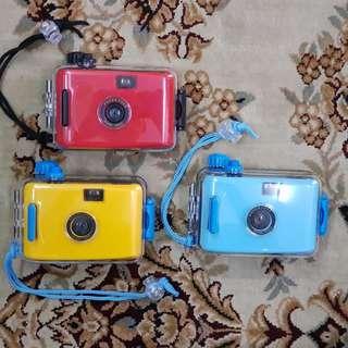 35mm Underwater Film Camera 28mm f9 ( 3m - 5m Water Depth Tolerance )