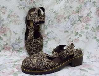 Sepatu Leopard