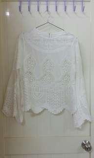 🚚 正韓白色布蕾絲上衣罩衫(需內搭)全新