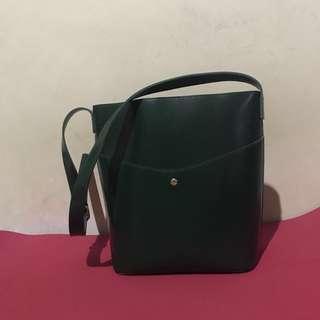 Hand bag / shoulder bag